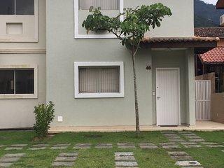 3 bedroom Condo with A/C in Mangaratiba - Mangaratiba vacation rentals