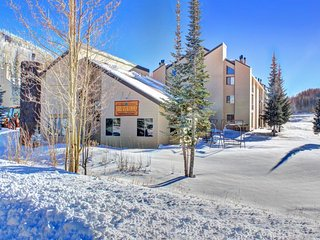 Ski in / Ski out condo w/ jetted tub, shared hot tub, & sauna! - Brian Head vacation rentals