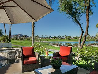 5+  STAR ACCOMMODATIONS OFFERED IN THIS STYLISH VACATION HOME WITH GREAT VIEWS ! - La Quinta vacation rentals