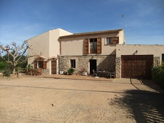 5 bedroom House with Internet Access in Colonia de Sant Jordi - Colonia de Sant Jordi vacation rentals