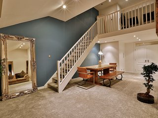 Luxury Penthouse with amazing views and location - Uppermill vacation rentals