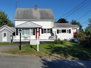 Classic Maine Cottage with beautiful water views - Phippsburg vacation rentals