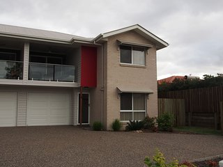 Rach's Place - Brand New Townhouse - Toowoomba vacation rentals