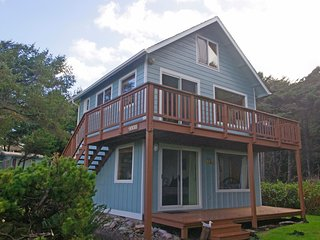 Ocean view Quiet, Near 804 Trail, Dog Friendly - Yachats vacation rentals