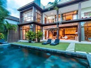 Villa Eden - Gorgeous Modern Tropical 4BR Villa in Seminyak, Petitenget! - Seminyak vacation rentals