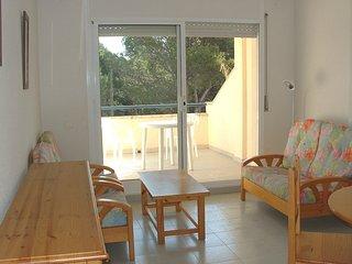 Cozy 2 bedroom L'Escala Condo with Shared Outdoor Pool - L'Escala vacation rentals