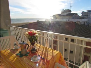 Seafront Building up to 6 Guests - Beach Place & Amenities - Airco & Parking - Bibione vacation rentals