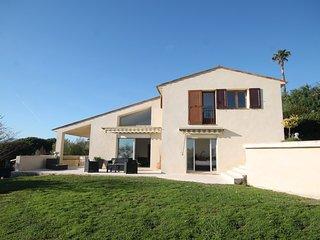 Comfortable Villa with Internet Access and A/C - Aubignan vacation rentals