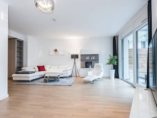 Big Design Apartment with terrace & parking - Munich vacation rentals