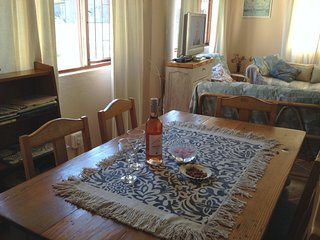 SeaBreak Cottage - Self-catering Seaside getaway - Pringle Bay vacation rentals