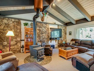 Spacious, dog-friendly home w/ private hot tub - walk to the beach! - Tahoe City vacation rentals