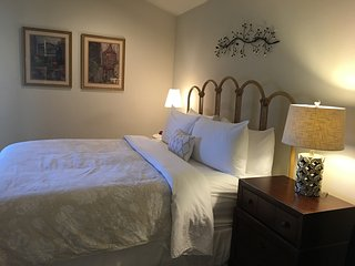 Villa Murialdo in Downtown Napa! 2 bedroom 2 bath - Napa vacation rentals
