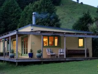 Back of Beyond Cottage, Lake Rotoehu, Rotorua District - Rotoiti vacation rentals