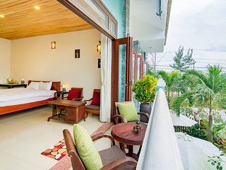 Bright 5 bedroom Hoi An Villa with Washing Machine - Hoi An vacation rentals