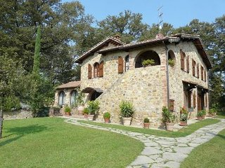 6 bedroom Villa in Cortona, Tuscany, Italy : ref 2020491 - Lucignano vacation rentals