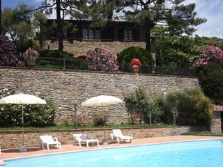 4 bedroom Villa in Cortona, Tuscany, Italy : ref 2020502 - Rapale vacation rentals