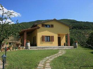 4 bedroom Villa in San Giustino Valdarno, Tuscany, Italy : ref 2394716 - San Giustino Valdarno vacation rentals