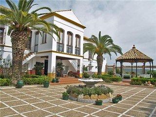5 bedroom Villa in Gran Vega de Sevilla, Andalucia, Spain : ref 2301789 - Lora del Río vacation rentals