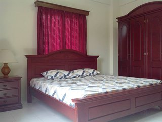 Home Cooking Villa - Family Room - Klebang Kechil vacation rentals