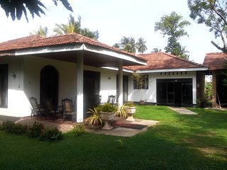 """Mango"" The Transit Home - Katunayake vacation rentals"