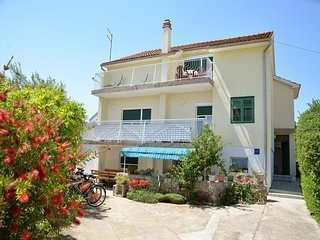 3 bedroom Condo with Internet Access in Vodice - Vodice vacation rentals