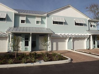 Plan your escape to old-style-Florida-living - where fun is our main priority - Merritt Island vacation rentals