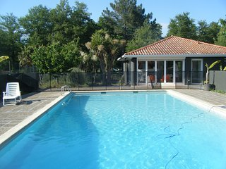Cozy 3 bedroom Soustons House with Television - Soustons vacation rentals
