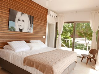 Mystical Green Properties Bungalow ' Bardot ' - Santa Teresa vacation rentals