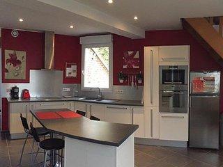 Le Cottage de Lucie et Antoine - Saint-Quentin vacation rentals