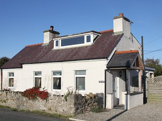 Charming Cottage with Deck and Internet Access - Malltraeth vacation rentals