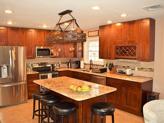 Luxurious home - Gorgeous Kitchen/ Wood Burning Fire Place/ Amazing Deck/ Hot Tub/ Sauna/ Swimming Pool! - East Stroudsburg vacation rentals