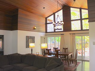 3 bedroom House with Deck in Pocono Lake - Pocono Lake vacation rentals