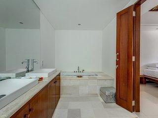 Affordable Beachfront 4 bdrs villa - Villa Oceana - Candidasa vacation rentals