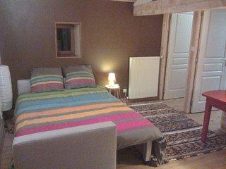 Calme et sérénité - étage privé de plain pied - Annonay vacation rentals