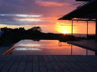7 Double Bedroom Villa with Infinity Pool - Kalamansi Loft House - Yapak vacation rentals