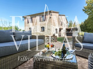 Charming Villa with DVD Player and Microwave in Monteleone d'Orvieto - Monteleone d'Orvieto vacation rentals