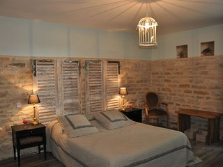 4 bedroom Bed and Breakfast with Television in Argilly - Argilly vacation rentals