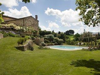 Large holiday and wedding villa near San Galgano Abbey, Siena, Tuscany. - Monticiano vacation rentals