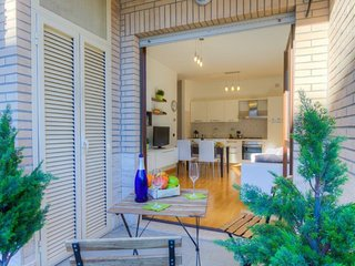 St.George's 1 bdr 1btr Speed WiFi♥ Airco Balcony Parking Wood Flooring Heating ♥ - Olgiata vacation rentals