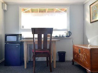 Spacious 2 bdrm studio near UW Private entrance. Quiet. - Seattle vacation rentals