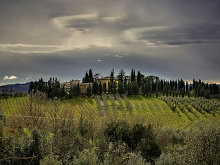 Tuscan villa with private pool and tennis court near Florence, just 30 km away - Limite Sull'Arno vacation rentals