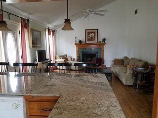 Cozy Breaux Bridge vacation House with A/C - Breaux Bridge vacation rentals
