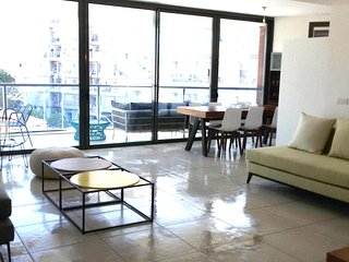 Gorgeous and Modern new 3 Bedroom - Tel Aviv vacation rentals