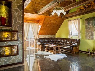 Lovely 4 bedroom Condo in Tatranska Kotlina - Tatranska Kotlina vacation rentals