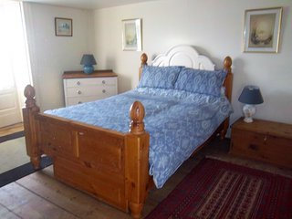 Bank House Holiday Cottage - Sleeps 4 - Pets Welcome - Peak District - Longnor vacation rentals