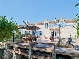 Traditional Farmhouse for 10 with Private Pool - Saint-Aubin-de-Cadelech vacation rentals