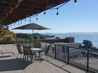 No Worries: New with a View !!! - Point Richmond vacation rentals