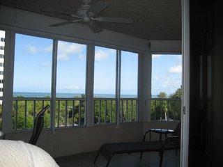 Only Weekly Rental on Vanderbilt Beach - Remodeled - Vanderbilt Beach vacation rentals