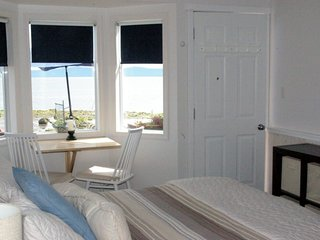 Secluded Beachfront Cottage walk on Waterfront Adults only - Qualicum Beach vacation rentals