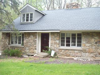 4 bedroom House with Internet Access in Schooleys Mountain - Schooleys Mountain vacation rentals